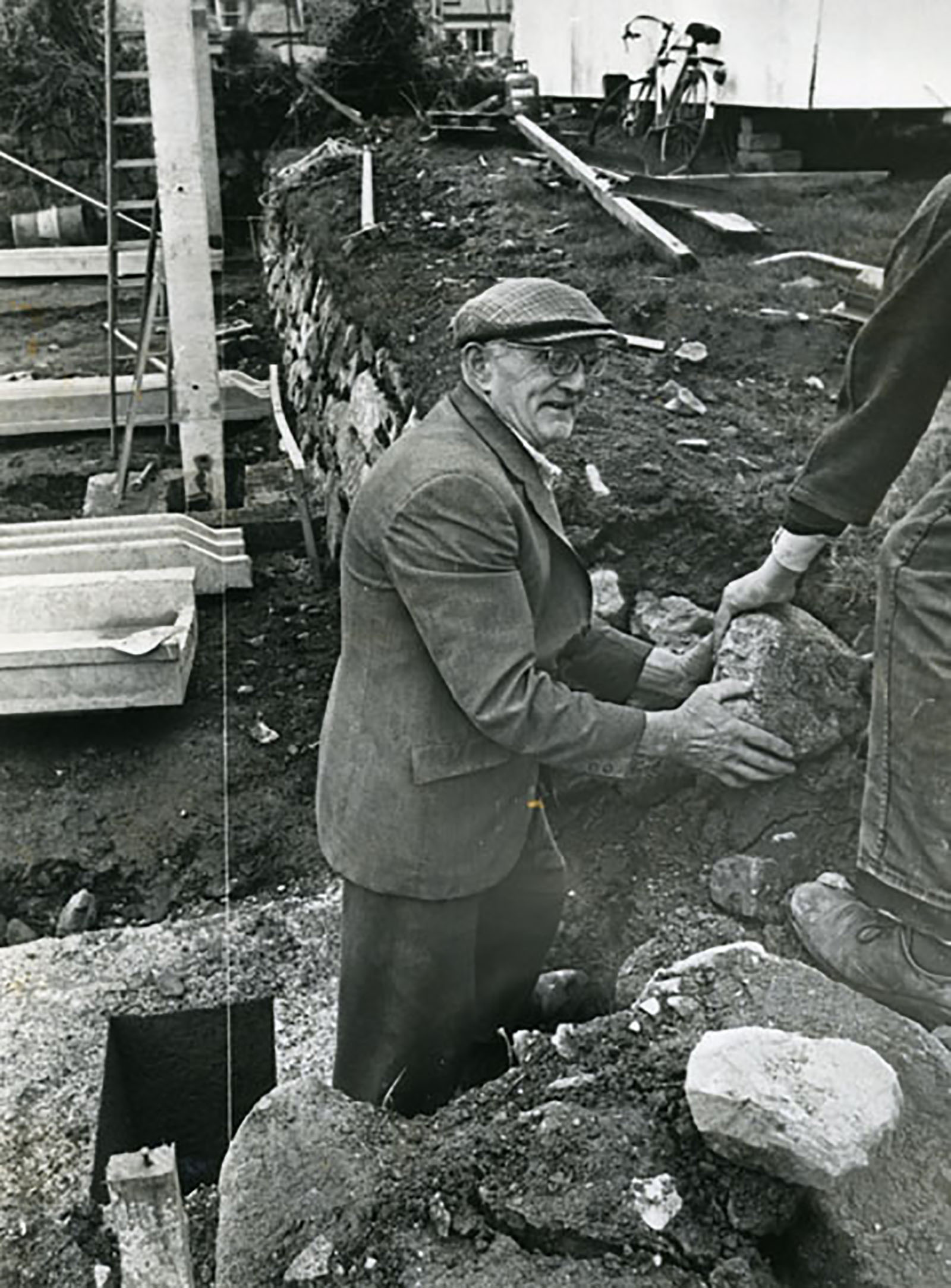 Expert Cornish hedger, 1978
